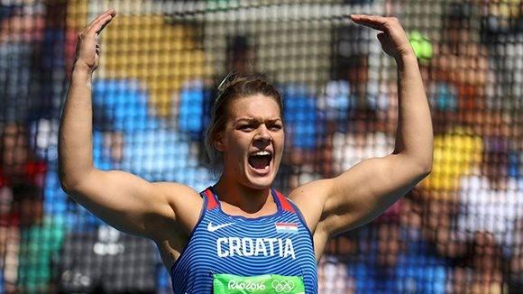 Sandra Percovic cumple las expectativas y se alza con el oro en el disco.