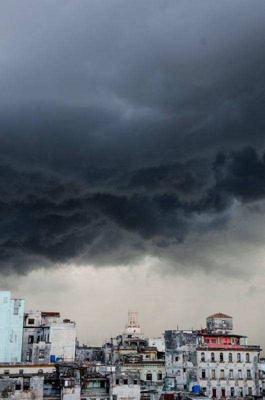 Tempestad en Centro Habana, el 16 de julio de 2016. Foto: Kike / Cubadebate