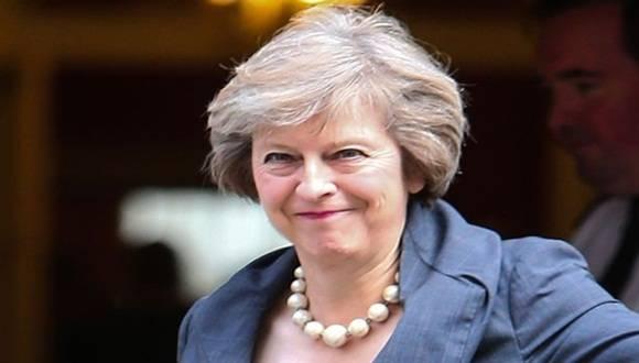 """May, que asumió como primera ministra británica en julio, le pidió en su carta al presidente Macri que los dos países tengan relaciones """"más productivas""""."""