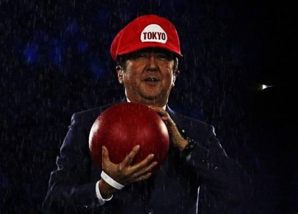 Primer ministro de Japón presenta Tokio 2020 vestido como Super Mario
