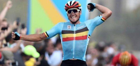 Van Avermaet se colgó la medalla de oro del ciclismo en ruta. Foto: @rio2016_es