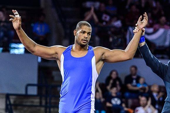 Yasmany Lugo sorprendió al derrotar al campeón olímpico de Londres-2012 en cuartos y perdió en la final con el campeón de los dos últimos mundiales.