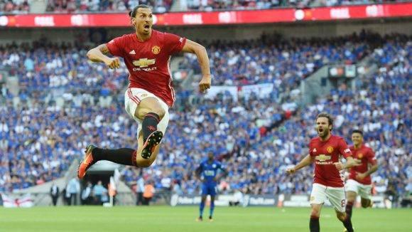 Ibrahimovic celebra el gol de la victoria. Foto: EFE
