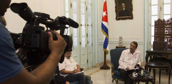 Abelardo Moreno en conferencia de prensa en la Cancillería cubana. Foto: Ismael Francisco/ Cubadebate
