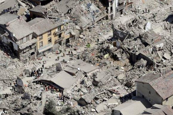 Impresionante vista aérea de Ametrice, el pueblito que desapareció tras el sismo en Italia. Foto: Gregorio Borgia/ AP