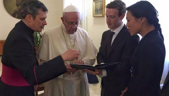 Zuckerberg asistió al encuentro con su esposa Priscilla Chan. | Foto: Chan Zuckerberg Initiative.