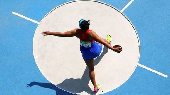 Discóbola cubana Denia Caballero logra marca para Campeonato Mundial de Londres
