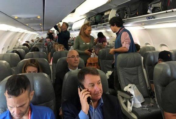 Pasajeros a bordo. Foto: Jeffrey Dastin/ Reuters
