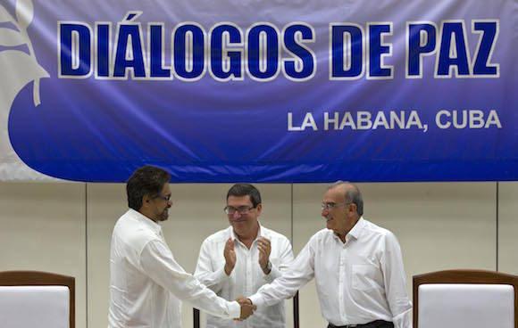 Día histórico para Colombia: Se firma en La Habana el Acuerdo final, integral y definitivo de paz