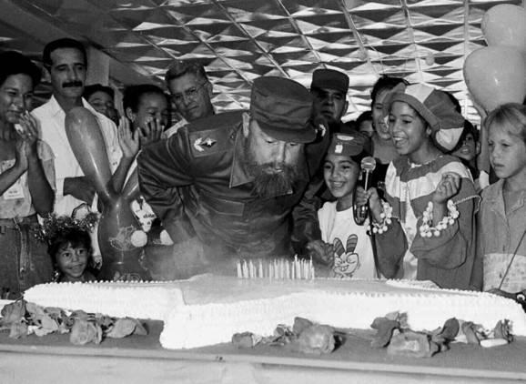 Fidel castro celebra su 70.º cumpleaños el 13 de agosto de 1996, La Habana, Cuba. Foto: Ismael Francisco/ PL.