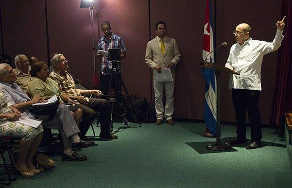Randy Alonso Falcón, director de Cubadebate, presenta el sitio fidelcastro.cu. Foto: Ladyrene Pérez/ Cubadebate.