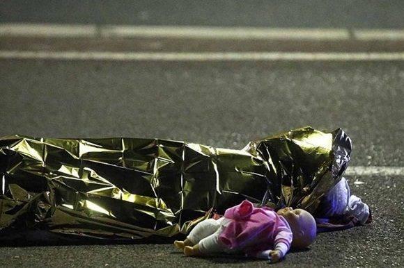 Aumenta a 86 cifra de víctimas de atentado en Niza, Francia.