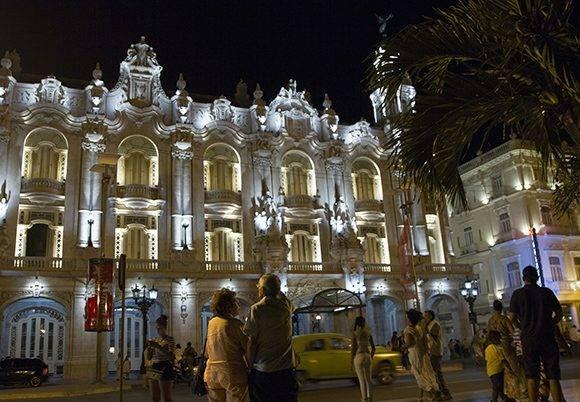 Gran Teatro de La Habana Alicia Alonso al concluir la Gala por el aniversario 55 de la UNEAC. Foto: Ladyrene Pérez/ Cubadebate.