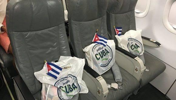Regalo especial para cada uno de los pasajeros esperando en cada asiento. Foto: Twitter JetBlue.