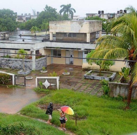 Llueve ininterrumpidamente en el municipio especial Isla de la Juventud hace más de 48 horas. Cuba, 30 de agosto de 2016.   Foto: Ana Ester Zulueta / ACN