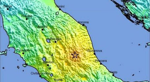 Fuerte sismo golpea el centro de Italia