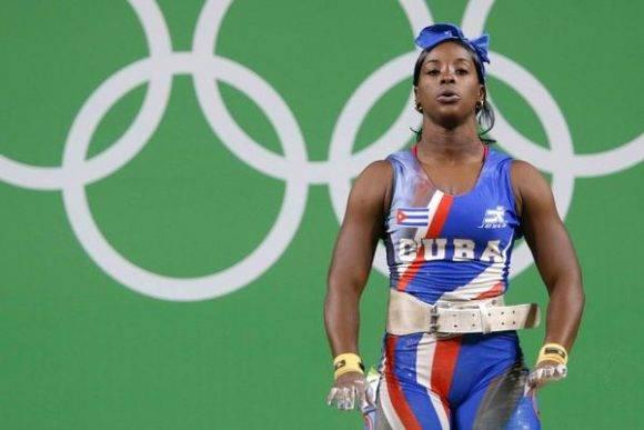 Marina de la Caridad Rodríguez Mitján de Cuba, compite en la categoría de 63 Kgs. del levantamiento de pesas (femenino), en los XXXI Juegos Olímpicos de Río de Janeiro, en el Pabellón 2 del Ríocentro, en Barra de Tijuca, Brasil, el 9 de agosto de 2016. Foto: Roberto MOREJÓN RODRÍGUEZ/ ACN