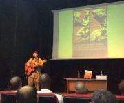 El músico cubano Vicente Feliú le cantó a Fidel, como cierre del encuentro. Foto: María del Carmen Ramón/ Cubadebate.