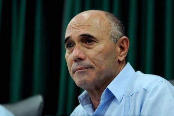Alfredo Cordero Puig, Presidente del Instituto de la Aeronáutica Civil de Cuba (IACC), durante la conferencia de prensa sobre los vuelos regulares de Estados Unidos a Cuba, en la sede del Ministerio de Transporte (MITRANS), en La Habana, Cuba, el 25 de agosto de 2016. Foto: Omara GARCÍA MEDEROS/ ACN
