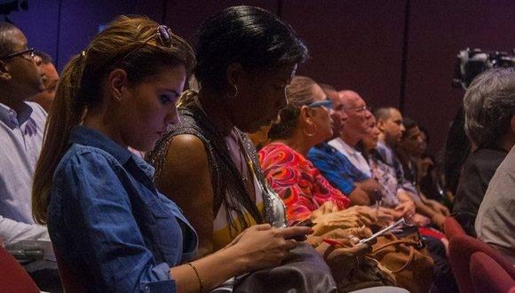 Durante la presentación del sitio en el Memorial José Martí. Foto: L.Eduardo Domínguez/ Cubadebate.