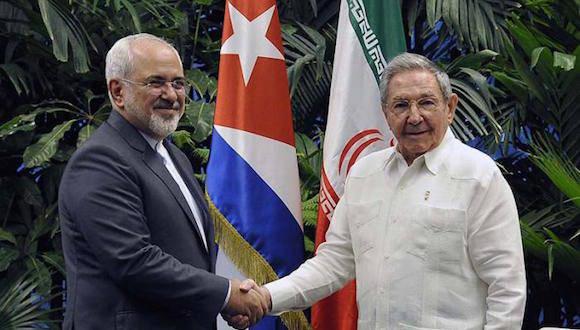 El tema migratorio formó parte de reunión del mandatario con el vicepresidente estadounidense Joe Biden, previo a un encuentro con el presidente Barack Obama.