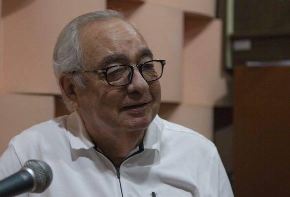 Raúl Roa Kourí en la grabación de este podcast. Foto: Ladyrene Pérez/ Cubadebate