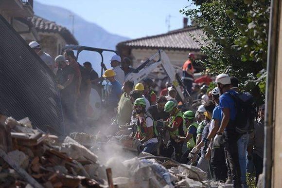 El terremoto en el centro de Italia ha dejado más de 240 muertos. Foto tomada de La Prensa.