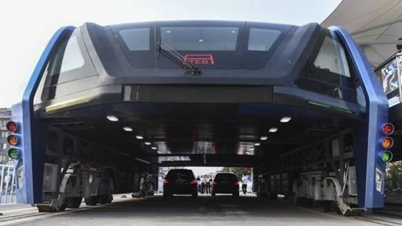 TEB (Transit Explore Bus) es el nombre de este increíble autobús que pretendende revolucionar el transporte público. Foto: AP.