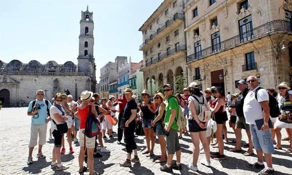 Asciende cifra de turistas que visitan la capital cubana