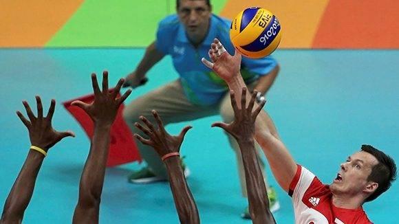 Polonia derrotó 3-0 a Cuba en el voleibol de sala.