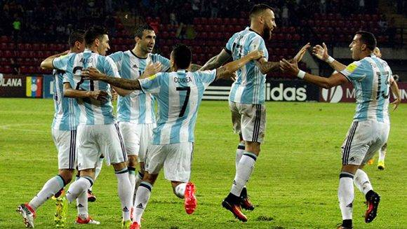 Argentina logró empatar en el final del partido gracias a un gol del defensa central, Nicolás Otamendi. Foto tomada de Marca.