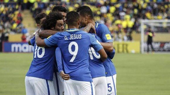 Gabriel Jesús fue la gran estrella de Brasil con dos golazos y además provocó el penal que marcó Neymar. Foto tomada de AS.