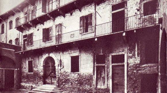 Fotografía de la Casa de los Capuletos en Verona, en el siglo XIX.