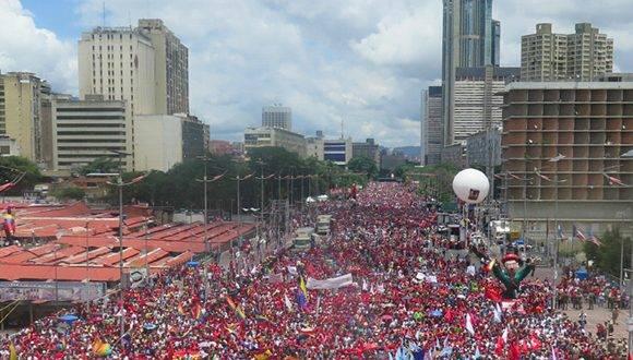 Marcha del pueblo venezolano en apoyo a Maduro. Foto: AFP.