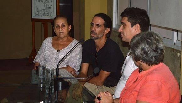 Ela Ramos, Directora del Sello discográfico Bis Music, Luis Durán productor y David Blanco, en la presentación del disco, Vida Libre. Foto: Abel Juliá.