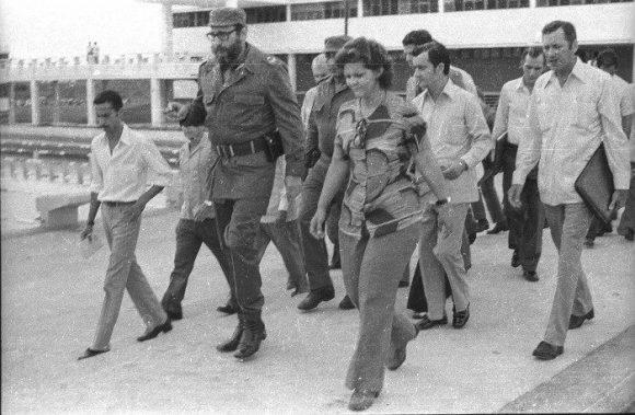 Fidel en la inauguración de la Escuela Vocacional Máximo Gómez, en Camagüey, el 1 de septiembre de 1976. Foto: Adelante