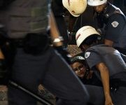 La policía actúa con una fuerza desproporcionada, excesiva, dice el teniente coronel Adilson Paes de Souza. Foto: Daniel Arroyo/Ponte