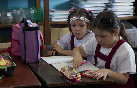 Las aulas dejaron atrás el silencio del período vacacional, comenzaron las clases. Foto: Ladyrene Pérez/ Cubadebate.