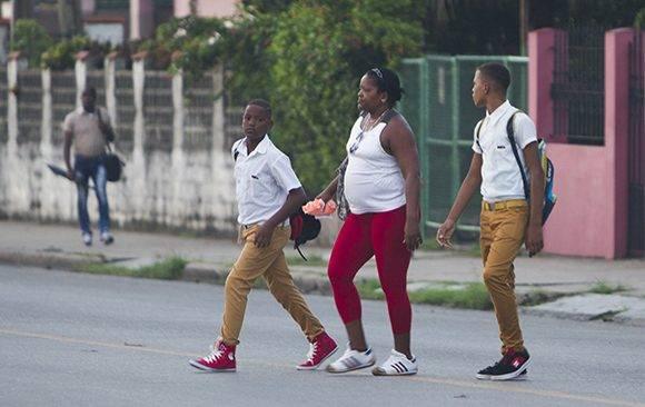 Casi 2 millones de estudiantes asisten hoy a las escuelas de todas las enseñanzas. Foto: Ladyrene Pérez/ Cubadebate.