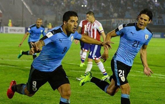 Luis Suárez marcó de penal y Cavani hizo un doblete. Foto tomada de Marca.