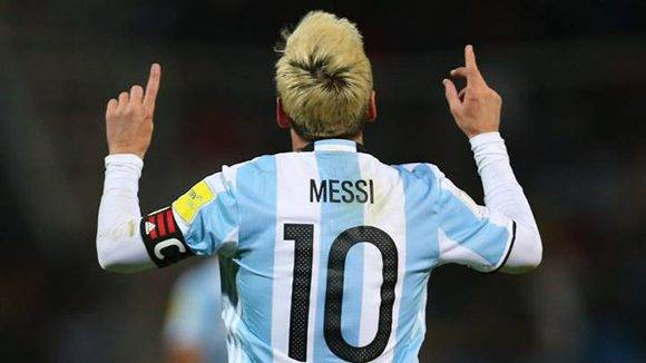 Después de mucha polémica Messi regresó anotando un gol a la selección argentina. Foto tomada de AS.