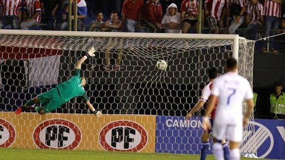 Paraguay sorprendió al derrotar 2-1 al bicampeón de América, Chile. Foto tomada de AS.