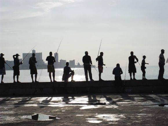 Pescadores. Foto: Sergio Cruz Castillo, del Centro de Ingeniería Genética y Biotecnología / Cubadebate