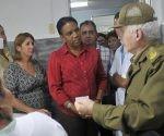 El Comandante de la Revolución Ramiro Valdés (D), miembro del Buró Político del Partido Comunista de Cuba y Vicepresidente de los Consejos de Estado y de Ministros, e Inés María Chapman (C), miembro del Consejo de Estado y Presidenta del Instituto Nacional de Recursos Hidráulicos, inauguraron, el 2 de septiembre de 2016, un moderno laboratorio de microbiología de la Unidad de Análisis y Servicios Técnicos en Isla de la Juventud, Cuba. ACN  FOTO/Ana Esther ZULUETA/sdl