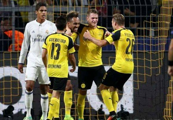 Jugadores del Dortmund celebran el empate. Foto tomada de Goal.com
