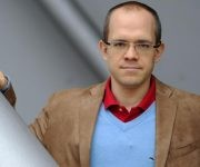 """Evgeny Morozov. Su libro """"Silicon Valley: i signori del silicio"""" estuvo en la feria de Mantua, Italia."""