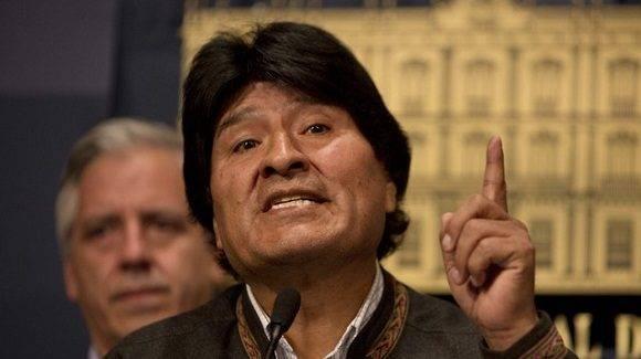 evo Morales confre prensa