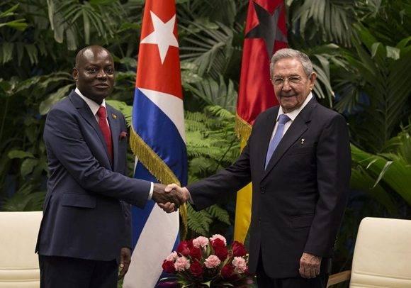 Recibió Raúl Castro a José Mario Vaz (+ Fotos)