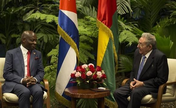 Dialogan en La Habana presidentes de Cuba y Guinea Bissau