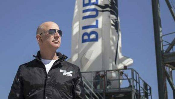 Jeff Bezos es el fundador de la empresa aeroespacial Blue Origin y de Amazon. Foto: Blue Origin.